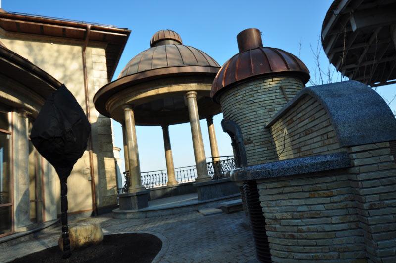 Купол беседки и барбекю, Киев, радиусный фальц, медь классическая.