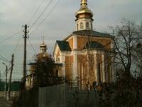 """Купол церкви из нержавеющей стали, покрытой нитридом титана, кровля и \""""барабан\"""" из стали с полимерным покрытием."""